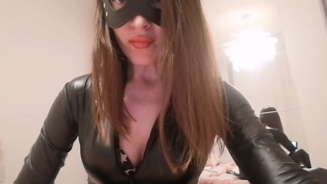 Jardena Mistress In Scene: Teasing Video In Latex… With A Lot Of Spit On The Bitch – ISRAELI GODDESS 00012