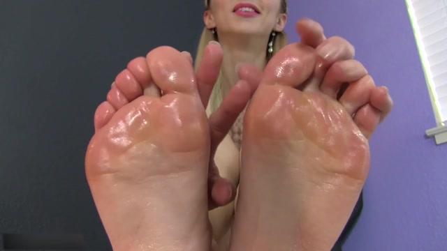 London Lix - Foot Slave Application 00015