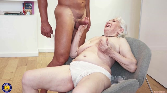 Mature.nl presents Maria (87) - Granny next door is washing up her muscled younger friend 00004