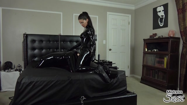Mistress Susi s Fetish Clips - The Strap-on Fucking of Mistress Susis Rubbertoy 00015