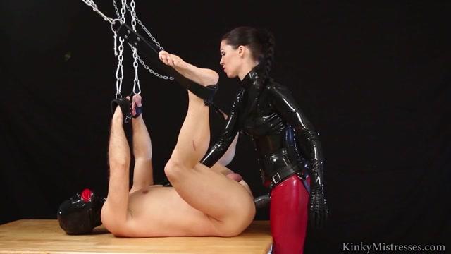 Mistress Susi s Fetish Clips - XXL Strapon in suspension 00015
