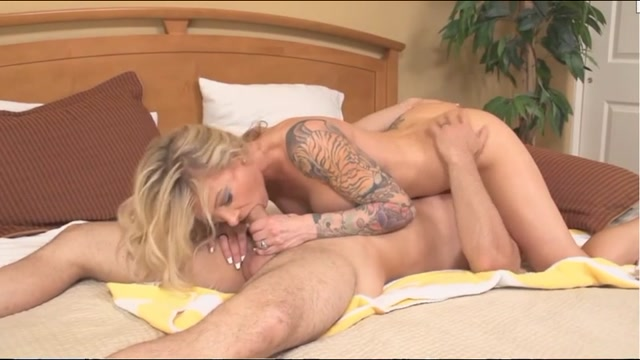 Mothers Behaving Very Badly 4 Synthia Fixx 00008