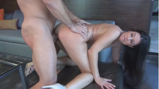 Mothers Behaving Very Badly Vol. 4: India Summer 00013