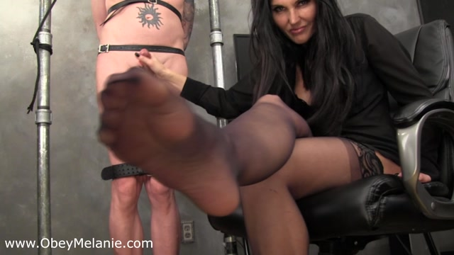 Obey Melanie - My feet have you squirting 00007