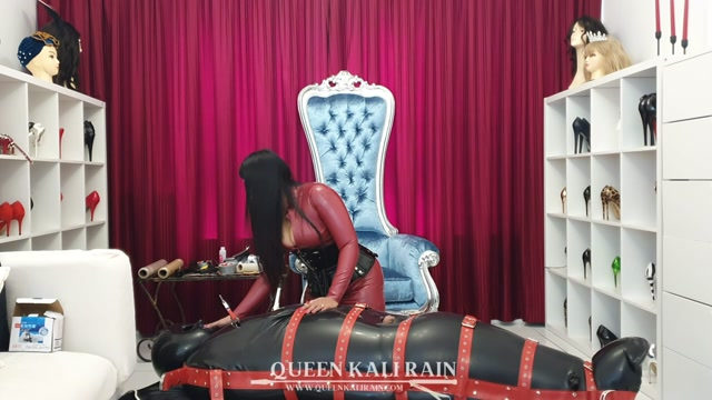 Queen Kali Rain - Sleeping bag Part 1 Sometimes, I start my session mild - Bondage 00013
