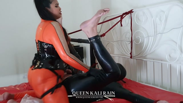 Queen Kali Rain - more of what happens when I am in control - Strap-On 00015
