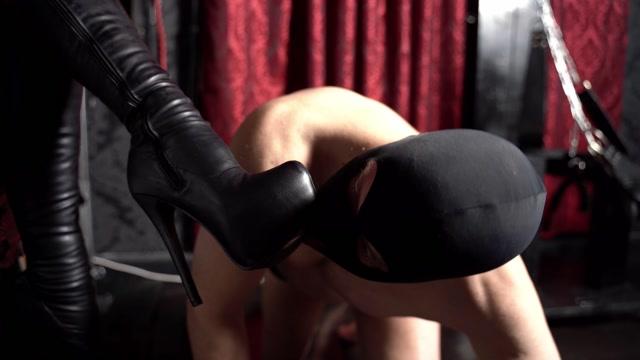 Sado Ladies - Lady Iveta - Lick my Overknees - BRANDNEW 00009