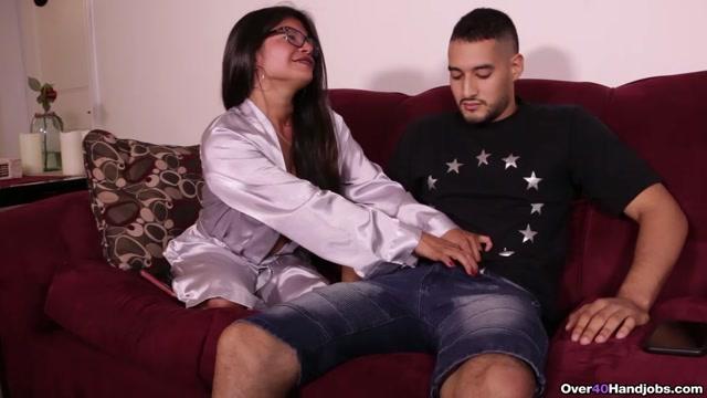 Watch Online Porn – Shot after Shot of Cum – Over 40 Handjobs – Isabella Flames (MP4, FullHD, 1920×1080)