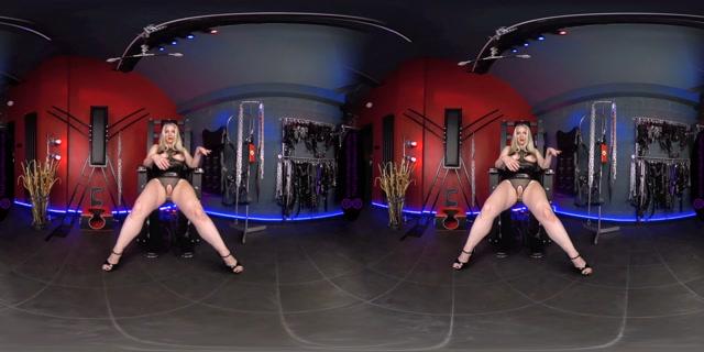 The English Mansion - Mistress Sidonia - Tongue Training - VR 00013