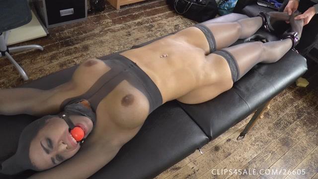 UKTickling - Angelina