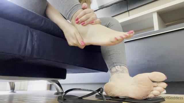 Watch Free Porno Online – grazigoddess 050220212025107695 moisturizing my big feet hidratando o pez o (MP4, FullHD, 1920×1080)
