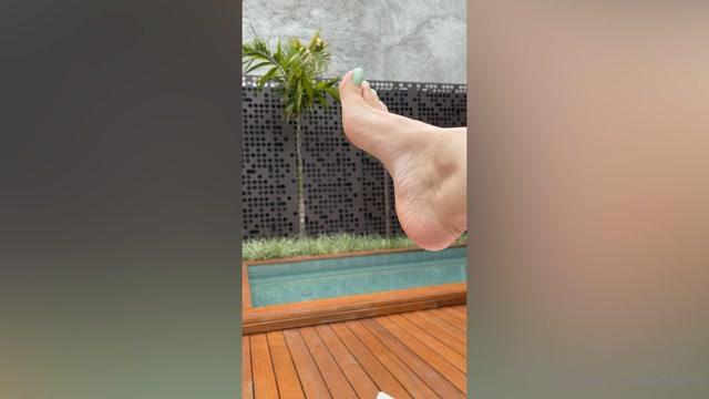 Watch Free Porno Online – grazigoddess 090520212104794779 good morning my foot smells a little hotness on a sunny day bom dia meus cheira (MP4, FullHD, 1920×1080)