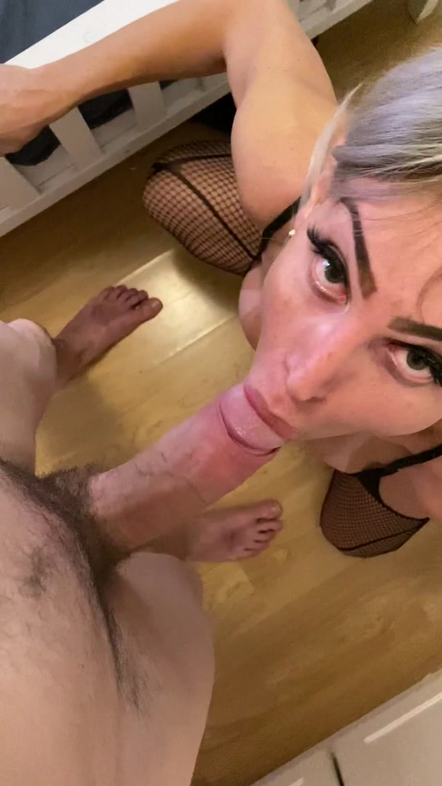 leticiaclose 02 01 2021 1999604286 threesomes i was in my room sucking the cock of my transsexual friend s boyfriend and sud 00004