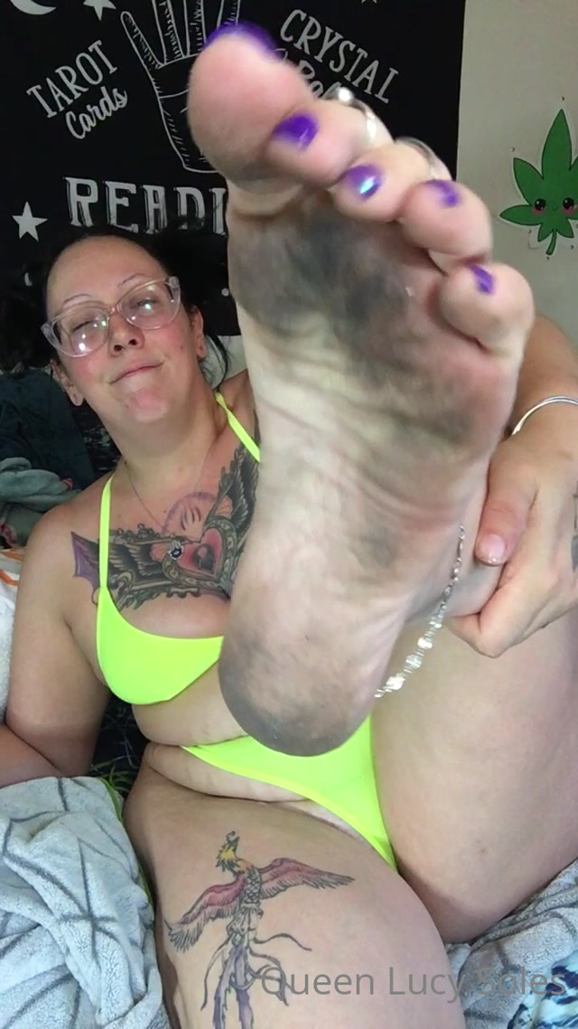 mystikal mami 22 06 2020 454902050 clean these fucking feet you loser humiliation 00003