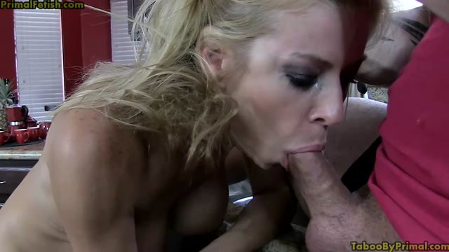 Alexis Fawx - Mom is at my disposal 00009