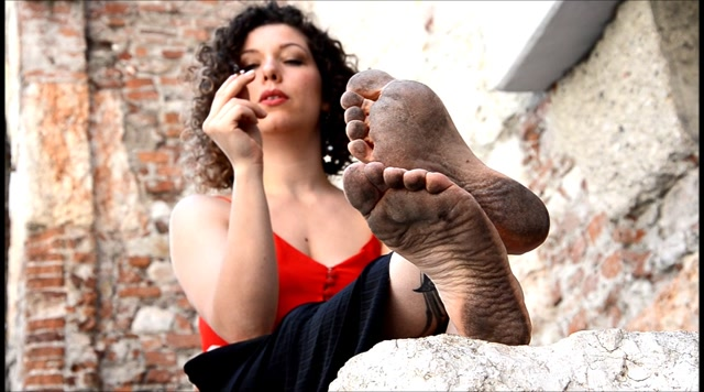Barefoot Urban Girls - FAIRY: dirty soles in your face! 00015