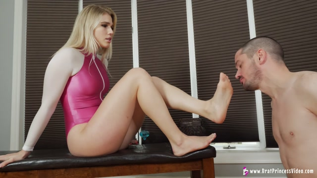 Brat Princess 2 - Amber - What You Need is a Key Holder 4K 00009