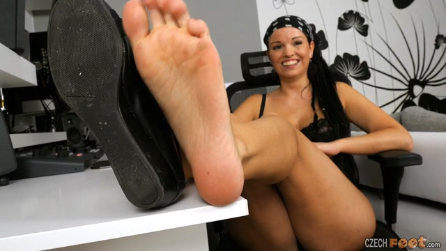 Czech Feet - 06-21-2020 Leontyna - Bare feet & Sniffing & Shoes & Various 00002