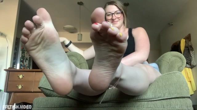Freckled_Feet - Intruder turned foot slave 00013