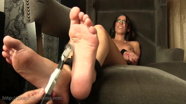 Ginary Tickle Adventures – Dava Foxx's Bare Feet Tickled 00011