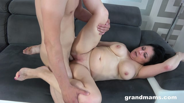GrandMams presents Klara Wells The love for hardcore fucking – 17.07.2021 00013