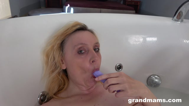GrandMams presents Lena S Always wet, old and horny - 10.07.2021 00010