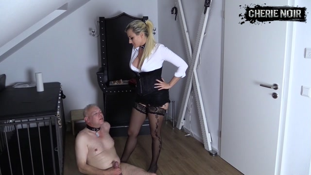 HARD BALLBUSTING WITH START UP IN THE DIRTY EGGS - Ballbusting 00015