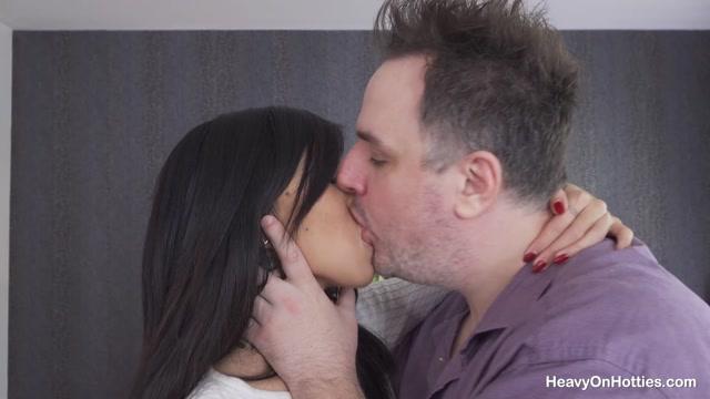 Watch Online Porn – HeavyOnHotties presents Jade Pham Real Anal Debut – 25.07.2021 (MP4, FullHD, 1920×1080)
