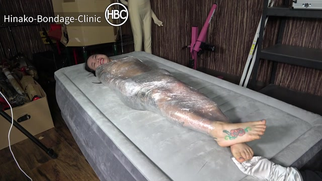 HinakoHouseOfBondage – Hinako Gets Mummified and Tickled by Her Friend 00001