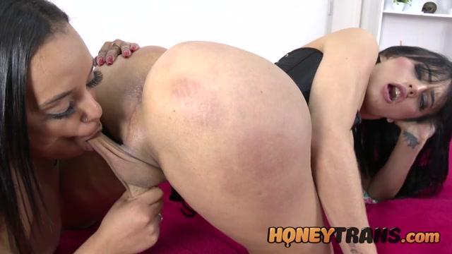 HoneyTrans presents Nataly Souza & Aninha Galzerano Latina Craves Hard Cock Anal From Trans Lover – 07.07.2021 00006