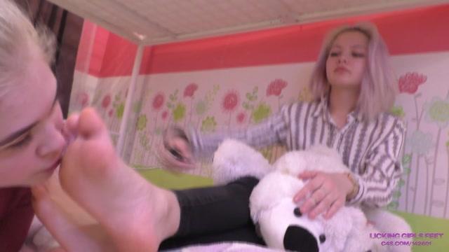 Licking Girls Feet - ELENA - Slave girl - Foot worship after university 00010