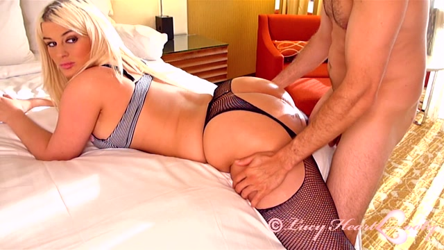 LucyHeartBooty presents Julie Cash Big Booty Fishnet Bang 00004