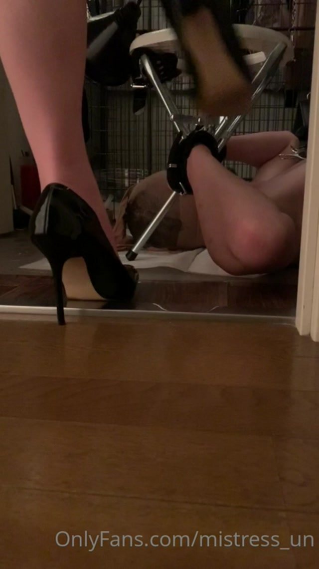 MISTRESS un - His mouth is toilot for me 2 00006