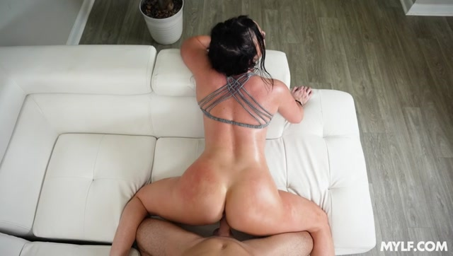 MYLF - MilfBody presents Jennifer White - She Works Her Ass Off – 06.07.2021 00010