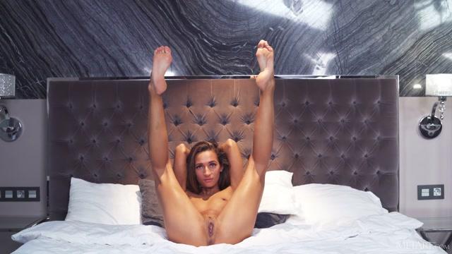 Watch Online Porn – MetArt presents Kenya – Girl In Red Lingerie – 06.07.2021 (MP4, FullHD, 1920×1080)