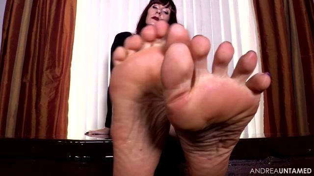 Miss Untamed - Clean Feet Worthy 00013
