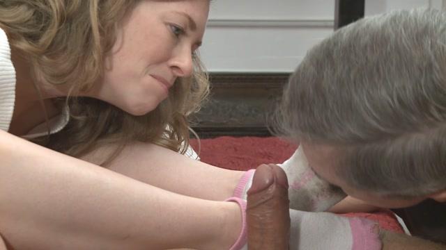 Watch Online Porn – MistressT – Cuckold Daddy Loser 2 (MP4, HD, 1280×720)