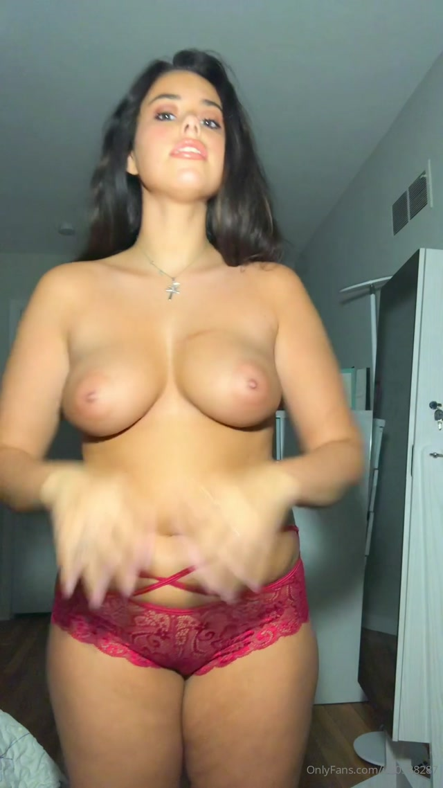 Sophie Lou Who 20200418-243817072-i hope this makes ur Saturday a bit better bra try on Monday  Video 00012