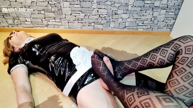 TVCindy Nylon Footjob - Lady Rockabella 00006