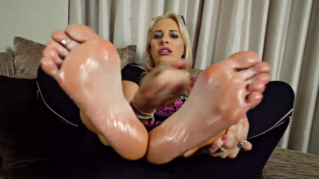 Vicky Vixxx - No Fap Diet For a Foot Stroking Addict 00014