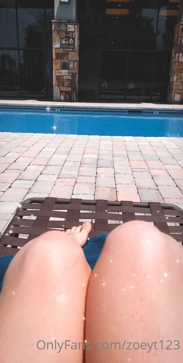 zoeyt123 21-06-2020-69330052-Relaxing poolside 00015