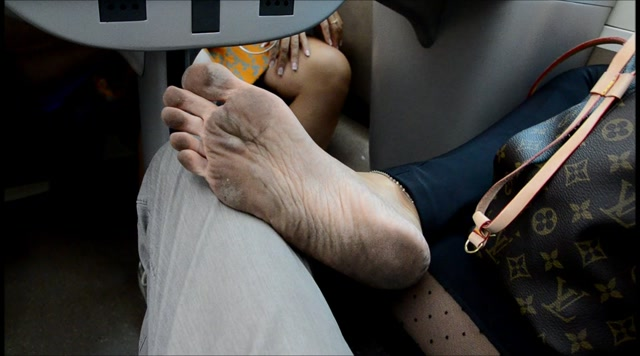 Barefoot Urban Girls - CHAT NOIR on the BF way to Italy 2 00001