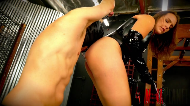 Watch Free Porno Online – DOMINA PLANET – FARTING HANG UP (MP4, FullHD, 1920×1080)