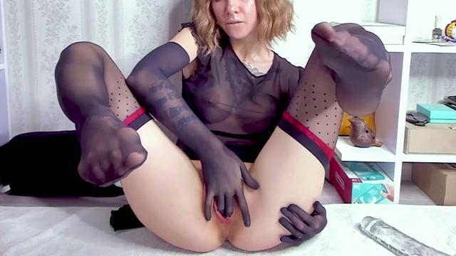Daniela Ray Fisting in Gloves 00004