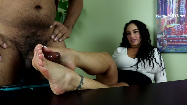 Watch Free Porno Online – Distracted at Work – Joey's FeetGirls – Sexysoleaddiction (MP4, FullHD, 1920×1080)