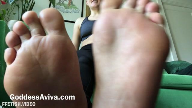 Goddess Aviva – Smell my Sweaty Gym Socks and Shoes 00014