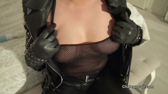 Kinky Leather Clips - Biker Chick Cums in Leather Pants - Coco de mal 00002