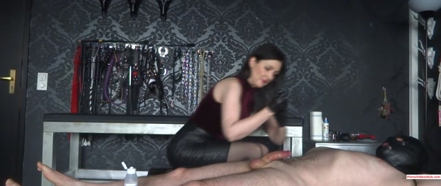 Watch Online Porn – Lady Victoria Valente – Handjob and Edging game, the cum flies through the air – cumshot – $8.99 (Premium user request) (MP4, FullHD, 1920×1080)