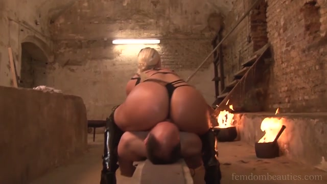Miss Ria Destiny Under the magnificent ass of amazone 00004