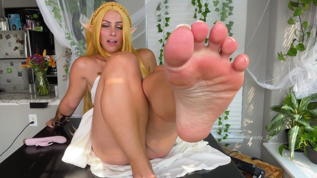 Moody_Feet - Zelda gives link a foot JOI 00005